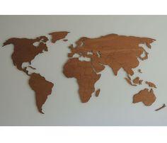 3 F houten wereldkaart XL met gegraveerde landgrenzen (English version below)  De houten wereldkaart XL met landgrenzen bestaat uit diverse losse eilanden en continenten die je ieder rechtstreeks op de muur plaatst. Hierdoor ontstaat ereen mooie schaduwwerking op de muur. De landgrenzen zijn zeer gedetailleerd en zijn met behulp van een laser in de kaart gegraveerd.  Om een nog meer zwevend effect op de muur te verkrijgen,krijg jede wereldkaart XL geleverd met afstandhouders van ongeveer…