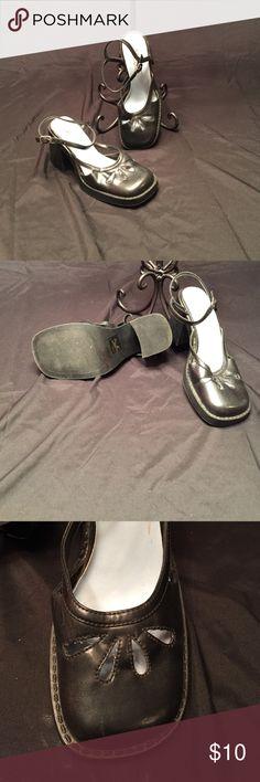 Women's MUDD size 7 shoes MUDD size 7 black shoes 3 inch heel Mudd Shoes Heels