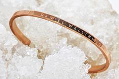 https://i.pinimg.com/236x/7e/1a/cc/7e1accb3f9ed2b327cc17505b412c3f3--daniel-wellington-cuff-bracelets.jpg
