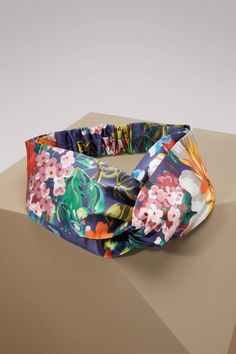 aa34dc78c18 Buy GUCCI Duchesse Silk Headband online on 24 Sèvres.