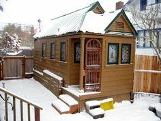 Jeff and Arlene's Mini-Mobile Cottage