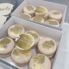 / NUDE & GOLD / A modern yet timeless colour combination for today's macarons filled with delicious Salted Caramel!