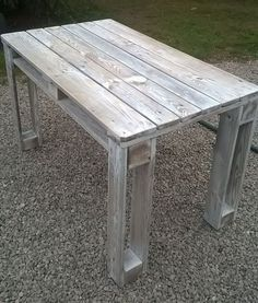DIY pallet reclaimed white washed tables 99 pallets more . - DIY pallet reclaimed white washed tables 99 more pallets - Wooden Pallet Projects, Wooden Pallet Furniture, Wooden Pallets, Rustic Furniture, Pallet Ideas, Diy Projects, Pallet Wood, Garden Furniture, Outdoor Pallet