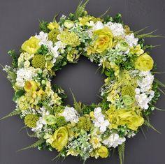 Wianek kwiatowy Nr 525