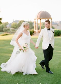 How stunning are Jessica + Matthew? You can see more photos of their wedding on the Brides of Oklahoma Blog! | Photography: Amanda Watson Photography | #bridesofok #wedding #oklahoma #couple