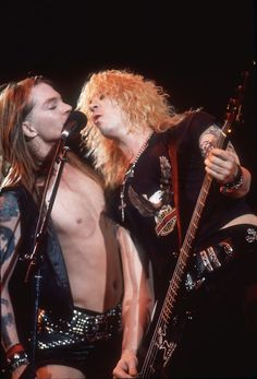 Image discovered by MIN SOOK YU. Find images and videos about Guns N Roses, axl rose and gnr on We Heart It - the app to get lost in what you love. Axl Rose, Guns N Roses, Jack White, Metallica, Rock N Roll, Gilby Clarke, Velvet Revolver, Duff Mckagan, Welcome To The Jungle