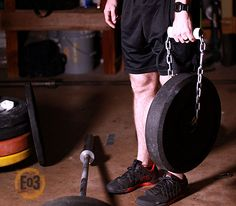 Adding Chains and PVC to your garage gym is an easy addition with a huge impact! Homemade Workout Equipment, Diy Gym Equipment, No Equipment Workout, Diy Home Gym, Home Gym Decor, Basement Gym, Garage Gym, Gym Plan For Women, Gym Plans