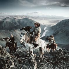 According to photographer Jimmy Nelson the Before They Pass Away project began nearly 30 years ago when he began walking from one side of Tibet to the other. Thats when he set it upon himself to document the last of the worlds ancient tribes and peoples with his 50-year-old 4x5 film camera. Nelson then spent the next four years traveling across the world to photograph 31 tribes chosen for their geographical traditional and aesthetic importance. He spent two weeks with each photographing and…