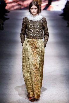 Alberta Ferretti - Fall 2015 Ready-to-Wear -  #modestischic #modestfashion #modestfromtherunway