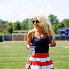 fourth of july - with Jack Rogers or Tory Burch sandals Cute Skirt Outfits, Preppy Outfits, Cute Skirts, College Outfits, Preppy Style, Summer Outfits, My Style, Preppy Fashion, Classic Wardrobe