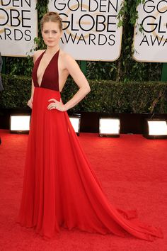Golden Globes Red Carpet 2014 Photos: See ALL The Dresses, Jewelry & Shoes.     Amy Adams stunning in Red