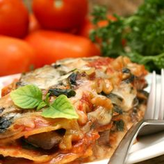 Add these favorite pasta recipes to your fall rotation for delicious comfort food, including the classics: lasagna, spaghetti, and mac and cheese. Vegetable Lasagna Recipes, Vegetable Lasagne, Zucchini Lasagna, Spinach Lasagna, Almased Shakes, Autumn Pasta Recipes, Mediterranean Soup, Chicken Keema, Lasagna Ingredients