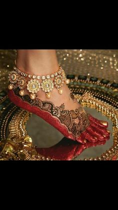 Ankle Jewelry, Ankle Bracelets, Maju Mantilla, Legs Mehndi Design, Indian Aesthetic, Anklet Designs, Bridal Mehndi Designs, Mehandi Designs, Bollywood Stars