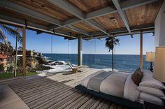 Minimalist beach house perched on an cliff in Laguna Beach