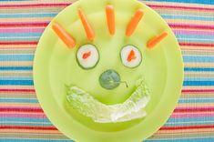 Ako do detí dostať zeleninu? Vtipnou úpravou na tanieri. 20 veselých nápadov - AhojMama.sk Pudding, Desserts, Food, Tailgate Desserts, Deserts, Custard Pudding, Essen, Puddings, Postres