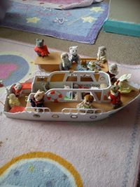 Pip Mace sent in this lovely pic #sylvaniansummer #sylvanianfamilies