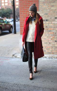 ...y abrigo rojo.