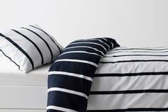 Shop bedding at IKEA. Choose from our large selection of bed linen, bed sets, sheets, pillowcases and duvet covers to match your bedroom. Ikea Duvet Cover, Duvet Covers, Stockholm Living, Bed Scene, Batman Room, Ikea Shopping, E Room, Linen Bedding, Bed Linen