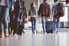 Does your baggage comply with carry-on regulations? Check out some tips for complying with carry-on restrictions as you practice budget travel. Best Carry On Luggage, Carry On Suitcase, Carry On Bag, Travel Luggage, Major Airlines, European Tour, Best Budget, New Travel, Flight Attendant