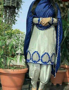 Designer Punjabi Suits Patiala, Punjabi Suits Designer Boutique, Patiala Suit Designs, Boutique Suits, Kurti Designs Party Wear, Lehenga Designs, Embroidery Suits Punjabi, Embroidery Suits Design, Embroidery Fashion