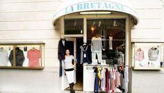 """Der französische """"Streifenladen"""" La Bretagne - Französische Lebensart mitten im Münchner Stadtviertel Schwabing. In dem Münchner """"Streifenladen"""" gibt es seit über 30 Jahren sowohl die bretonischen Klassiker wie Ringelshirts, Pullover und Seemannsjacken als auch maritime Mode von: Saint James · Armor lux · Terre & Mer · Le Minor · Une Bouée à la Mer · Le Glazik  👉🏻https://goo.gl/M472fD"""
