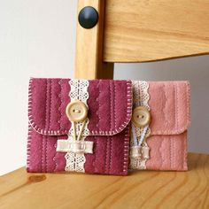 Wool Felt Coin Purse Wallet ... useful and pretty...a win-win!