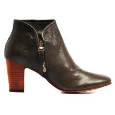 ELURID | Cinori Shoes #ankleboots #booties #blockheel #zips #stackheel #khaki #djangojuliette #cinori #winter #aw14