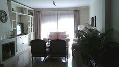 Distribución y amueblamiento de vivienda clásica en caoba. Diseño dk-interior. www.decoraciondeinterioresdecoc.com