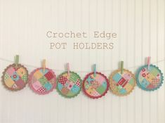 Bee In My Bonnet: Crochet Edging Tutorial - Round Pot Holders! Crochet Edging Tutorial, Crochet Quilt Pattern, Crochet Borders, Crochet Patterns, Crochet Edgings, Potholder Patterns, Quilt Patterns, Sewing Patterns, Love Crochet