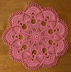 Crochet pinapple doily. Design by Patricia Kristoffersen