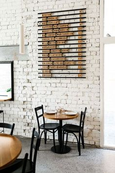 this there: marion wine bar. white brick wall and wood wine menu at marion wine bar. / sfgirlbybaywhite brick wall and wood wine menu at marion wine bar. Cafe Bar, Cafe Restaurant, Luxury Restaurant, White Restaurant, Restaurant Marketing, Restaurant Tables, Design Shop, Coffee Shop Design, Cafe Design