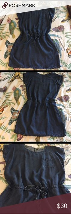 Denim Drawstring Dress Worn a couple of times. Really comfy and cute! No stains or damage, I just don't wear it anymore. Make me an offer, I'm flexible! Fossil Dresses