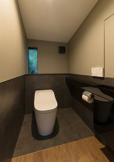 CASE577 紬(つむぎ)の家 Narrow Lot House Plans, Wall Colors, Toilet, How To Plan, Bathroom, Interior, Garage, Home, Design