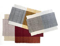 """Teppich Kollektion """"Nobsa"""" (2016). Wollteppiche, handgewebt in verschiedenen Größen und Farbkombinationen erhältlich. Sebastian Herkner fertigte diese Teppiche in Kolumbien mit der Firma Ames Sala."""