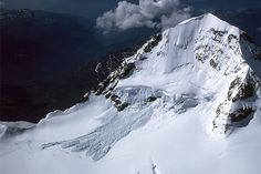 Grosser Aletschgletscher. The hanging glacier on the south flank of Mönch regularly releases small, and sometimes large ice avalanches which descend on to Jungfraufirn. A particularly large avalanche occured on July 5th, 1982.