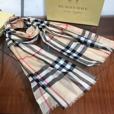 Burberry Clothing, Burberry Outfit, Womens Scarves, Plaid Scarf, Shawl, Clothes, Fashion, Boucle D'oreille, Watch