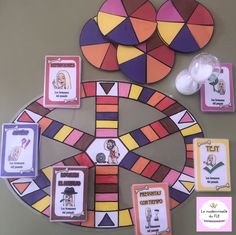 Image may contain: 1 person Classroom Games, Cooperative Learning, France, Social Science, Teaching Tools, Social Studies, Activities, Education, History