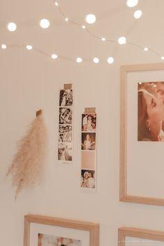 DIY déco : un mur de cadres bohème - C by Clemence Photo Cabine, Style Retro, Jolie Photo, Decoration, Photo Wall, Frames, Blog, Home Decor, White Picture Frames
