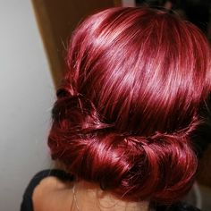 love this vintage updo!