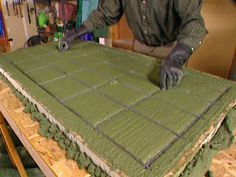How to Build a Concrete Countertop. #decor #DIY This picture is weird but if you click on it, you can watch the how to video and it is very nice! I love it!
