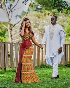 Couples African Outfits, Latest African Fashion Dresses, African Dresses For Women, African Print Fashion, African Wedding Attire, African Attire, African Weddings, African Traditional Wedding Dress, Kente Dress