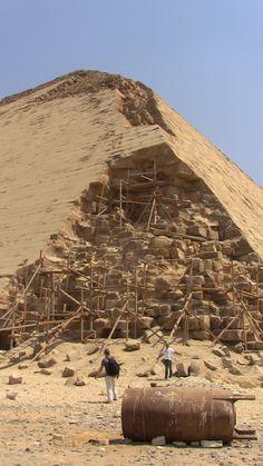 Dashour pyramids of Senefru (2613-2589)