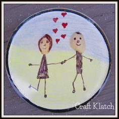 Here is a cute way to recycle your pistachio shells. Years ago, on The Carol Duvall Show, she spoke with an artist, who made pistachio. Diy Resin Projects, Resin Crafts, Resin Art, Fun Diy Crafts, Easy Crafts For Kids, Diy Projects For Couples, Pistachio Shells, Coaster Crafts, Circle Crafts