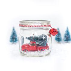 Vintage Wagon Mason Jar Snow Globe - Mason Jar Crafts Love