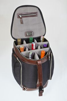 Suitcase for 08 wines - Color: Black and Tobacco
