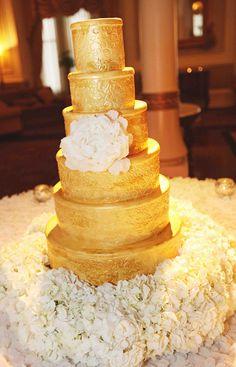 Gold Wedding Cakes - Belle The Magazine