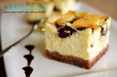 Cheesecake cu ciocolata (cea mai simpla reteta) - Retete culinare by Teo's Kitchen Romanian Desserts, Eat Dessert First, I Foods, Biscuit, Deserts, Cooking Recipes, Yummy Food, Favorite Recipes, Sweets