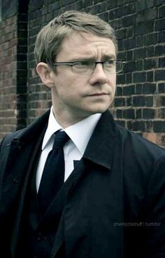 Martin Freeman | Businessman - Officer