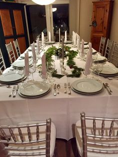 Set Holiday 2016 Dinner Table