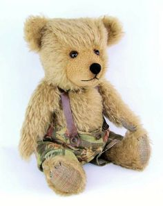 """Rodger Ginger Biscuit by Padfield bears : I love this big guy; he is over 20"""" tall (50 cm) and reminds of some my old Chiltern and Hermann teddies; especially the short arms and legs and the big head make him super cute."""